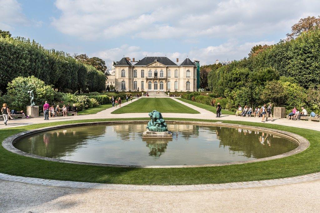 lawn-mansion-chateau-palace-paris-pond-606500-pxhere.com.jpg?1580834662