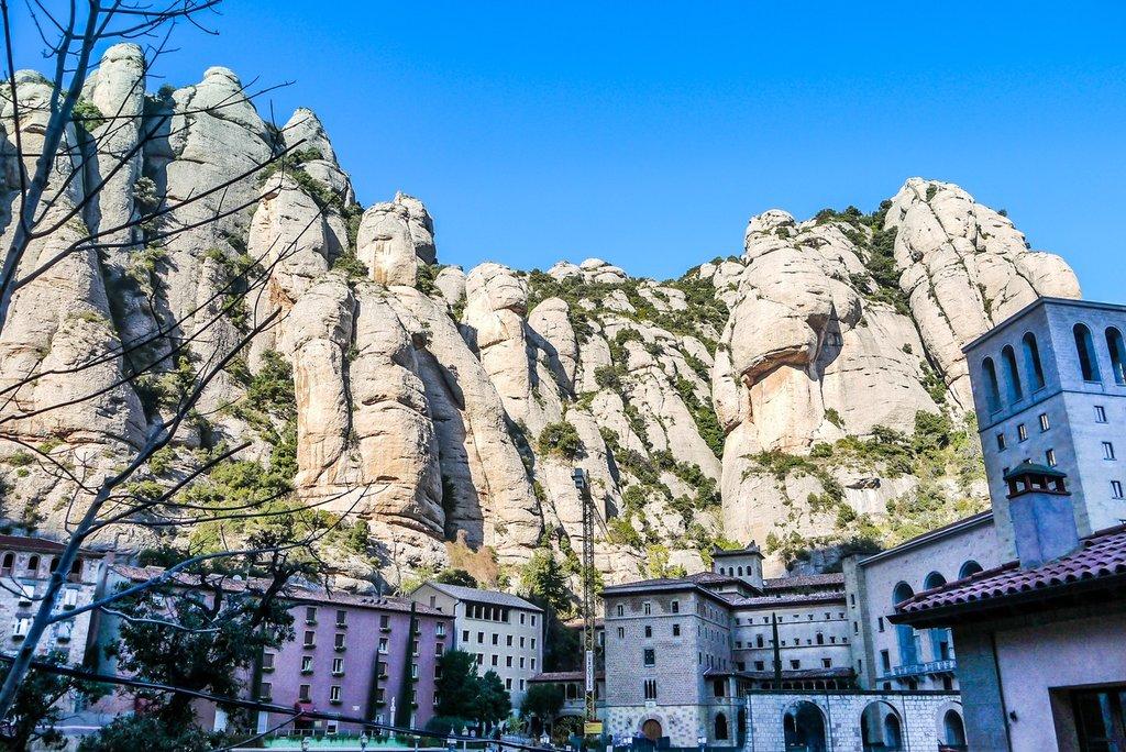 nature-rock-mountain-town-vacation-landmark-711600-pxhere.com.jpg?1580893814