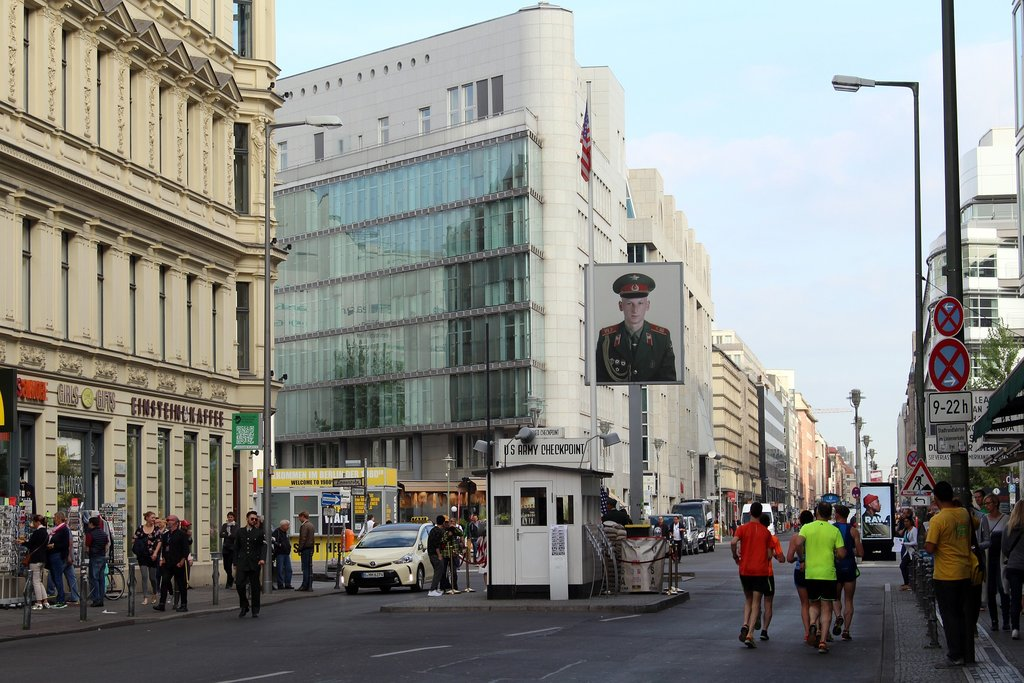 berlin_checkpoint_charlie.jpg?1580914114