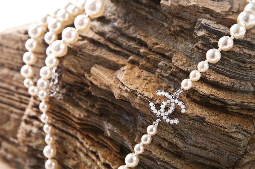 rock-chain-love-material-jewelry-necklace-943905-pxhere.com.jpg?1580981557