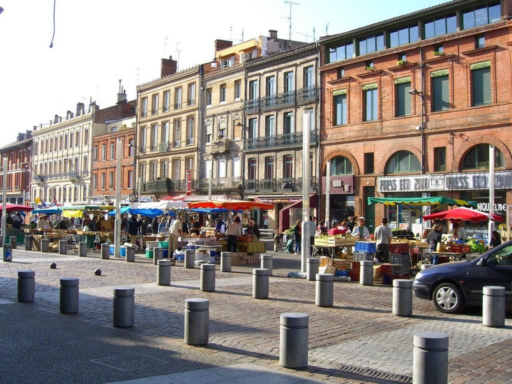 Market_in_arnaud_bernard.jpg?1581334748