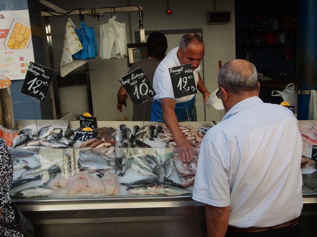 food-vehicle-market-fish-fish-market-provence-550180-pxhere.com.jpg?1581584923