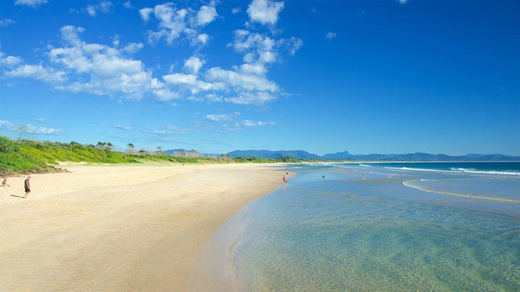 Byron Bay showing a beach