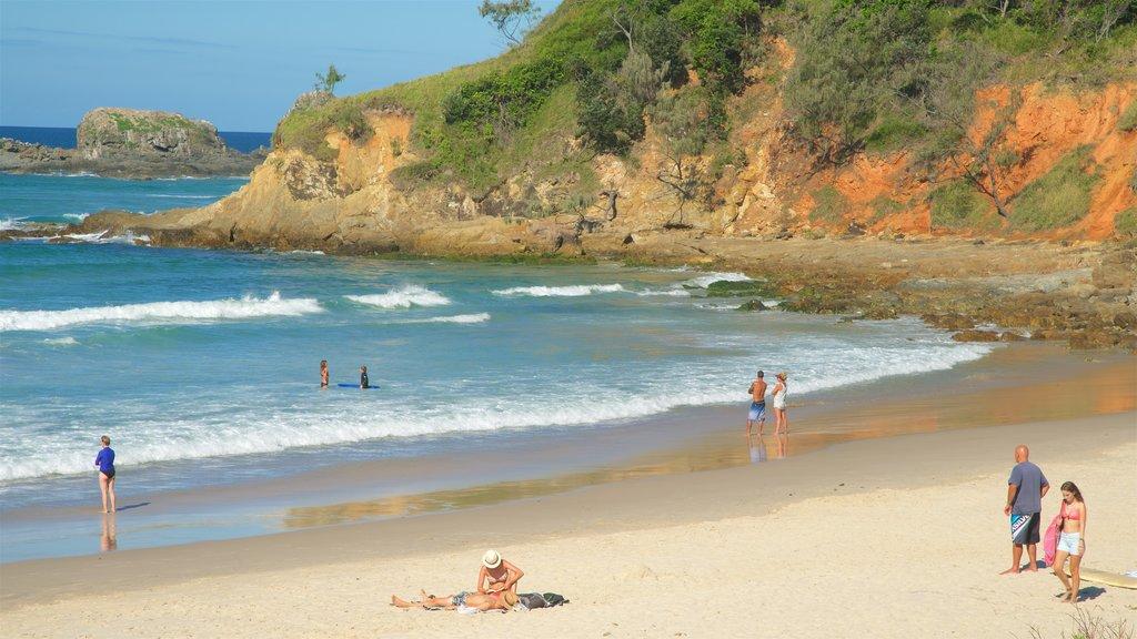 Broken Head which includes a sandy beach