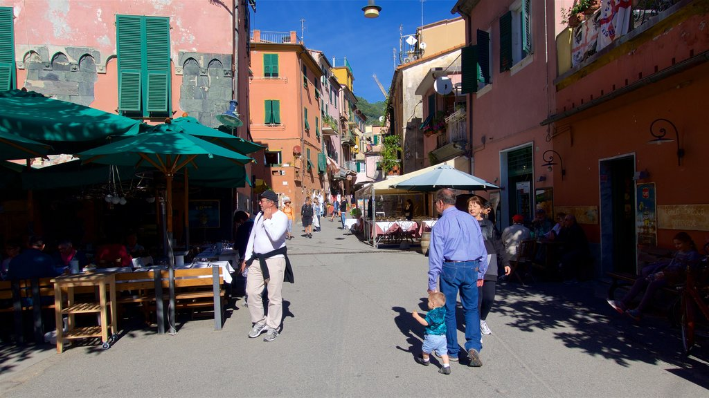 Monterosso al Mare featuring cafe lifestyle and a square or plaza as well as a small group of people