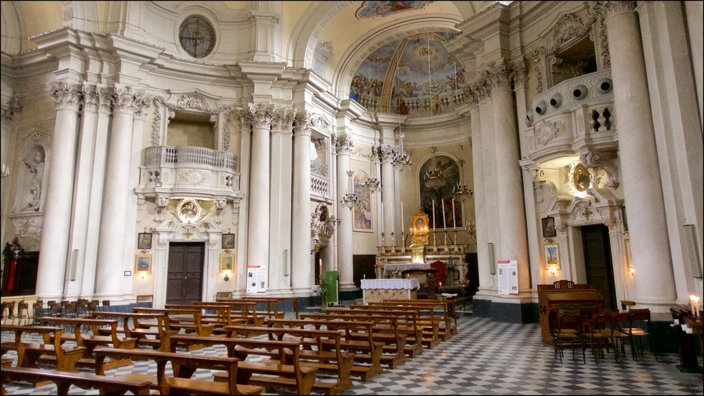 Montepulciano featuring heritage architecture, interior views and a church or cathedral