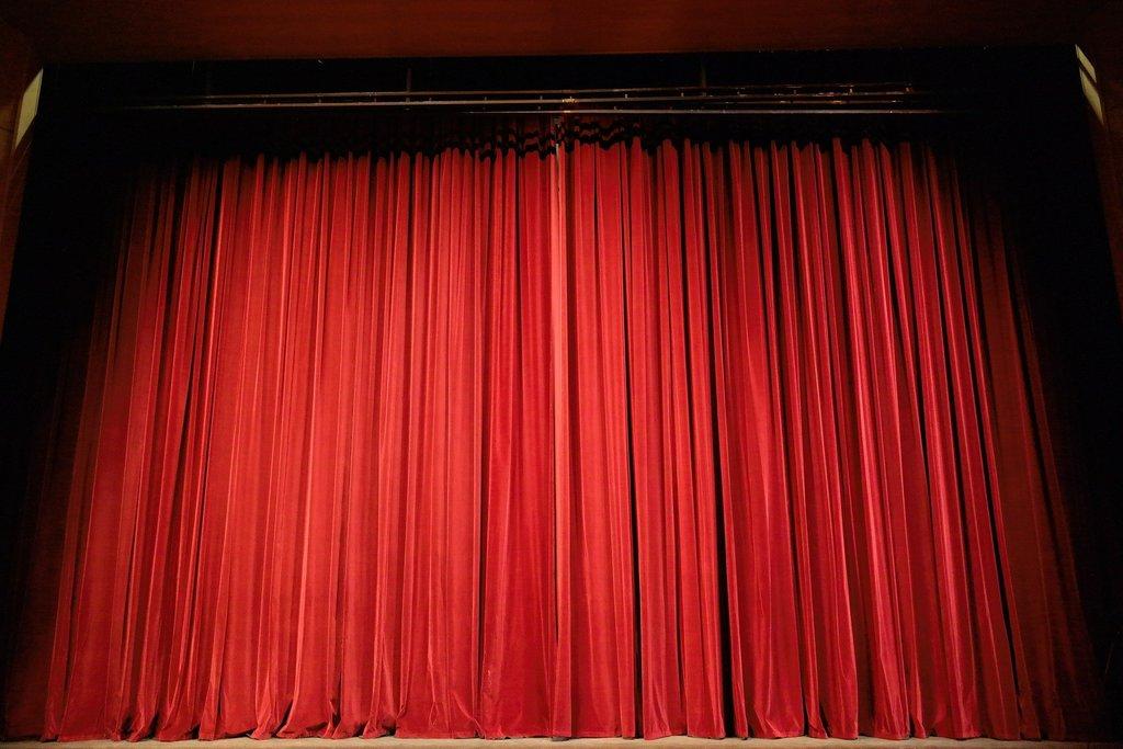 theater_vorhang.jpg?1583861676