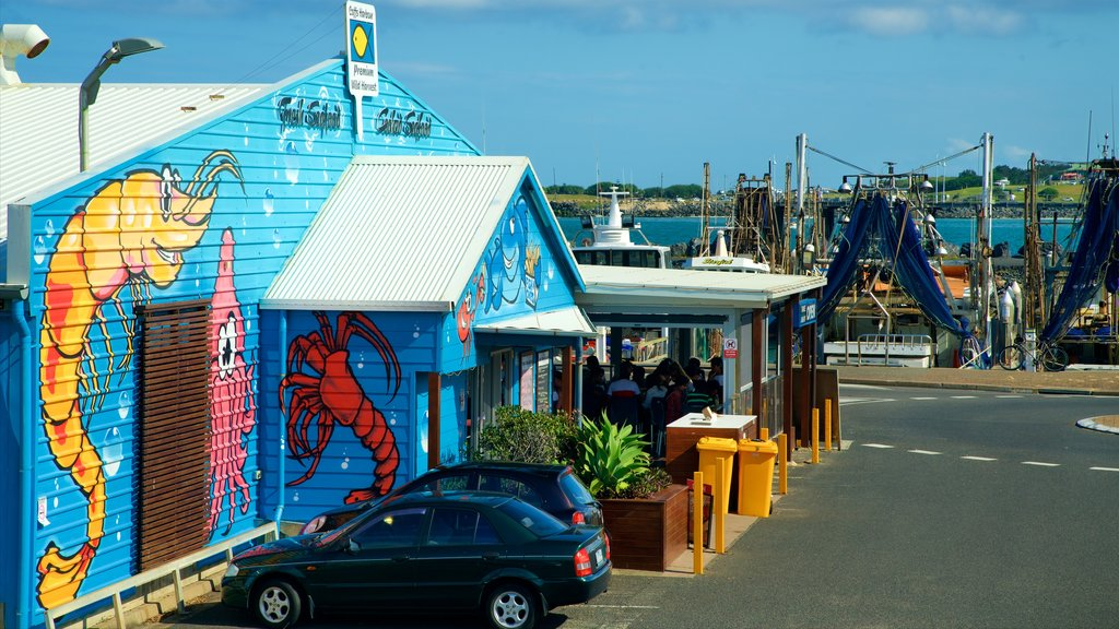 Coffs Harbour Marina featuring outdoor eating