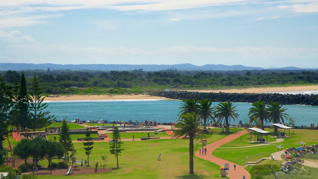 Port Macquarie which includes a beach, a bay or harbor and a garden