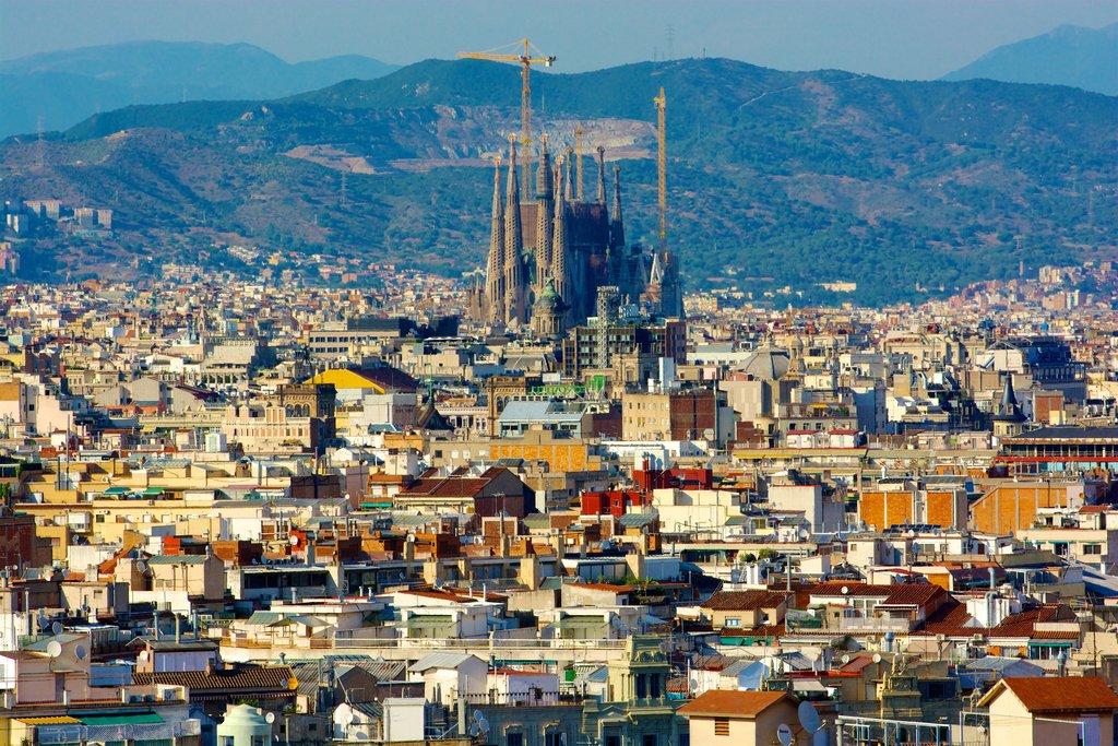 sagrada-familia-eixample-barcelona.jpg?1586263601