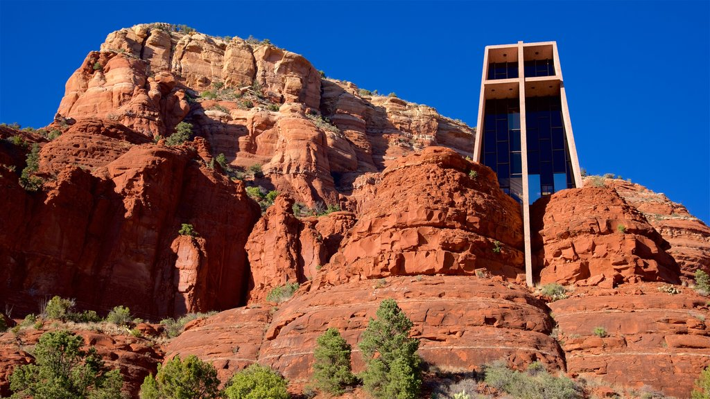 Sedona showing a gorge or canyon, tranquil scenes and a church or cathedral