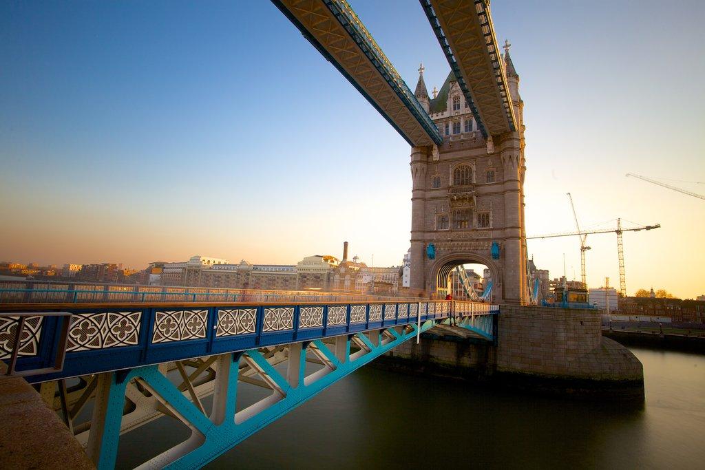 london-tower-bridge.jpg?1586354746