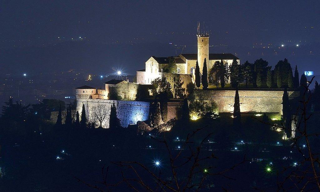 1620px-Castello_di_Brescia_-_panoramio.jpg?1580331947