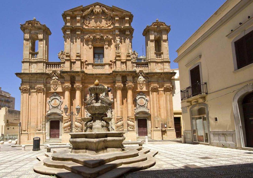3837px-La_Chiesa_del_Purgatorio_di_Marsala__Marsala__Trapani__Sicily__Italy_-_panoramio.jpg?1586089881