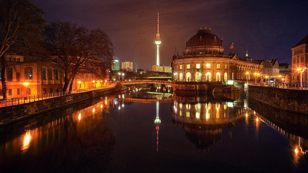 berlin_spree_abend.jpg?1586871521