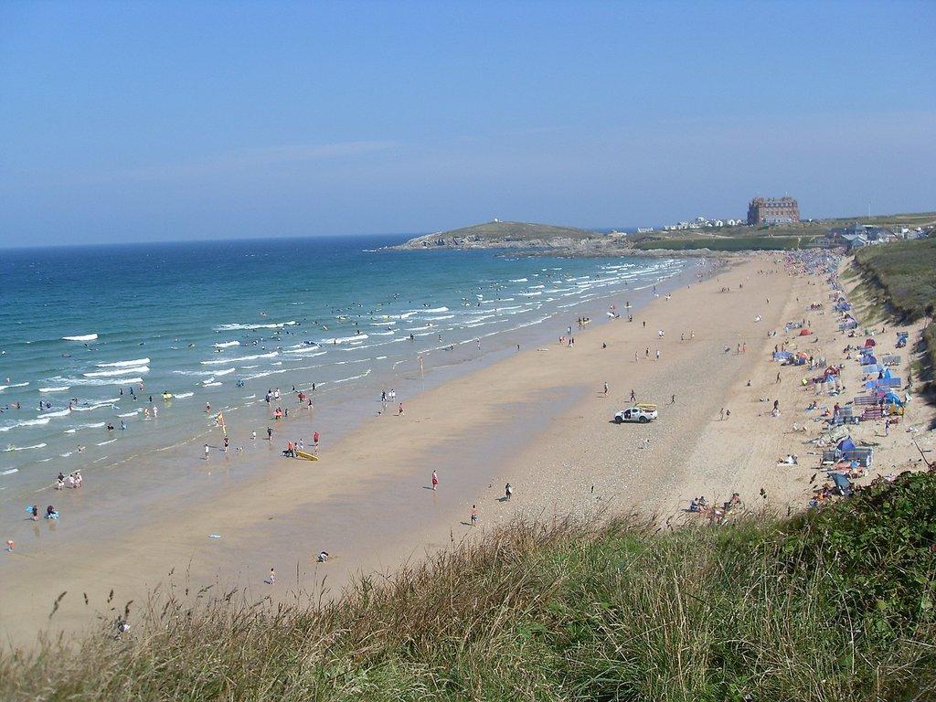 1440px-Fistral_Beach.jpg?1586887323