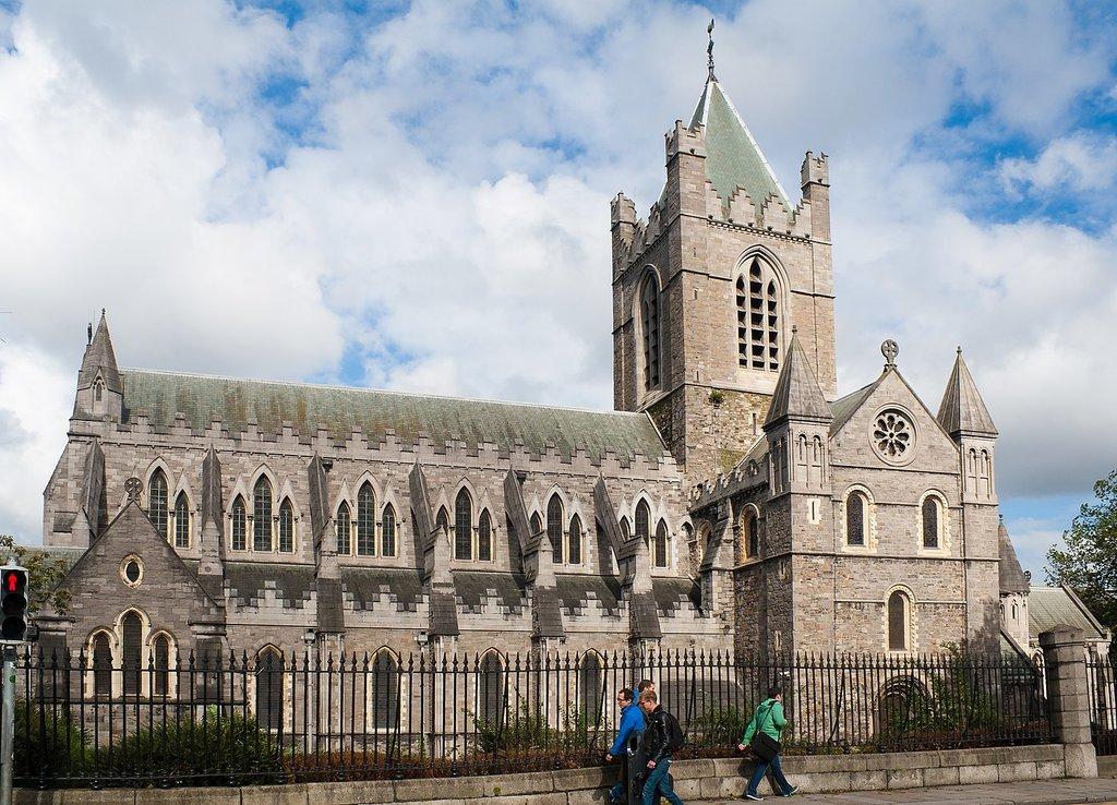 1499px-Dublin_Christ_Church_Cathedral_2012_09_26.jpg?1586890584