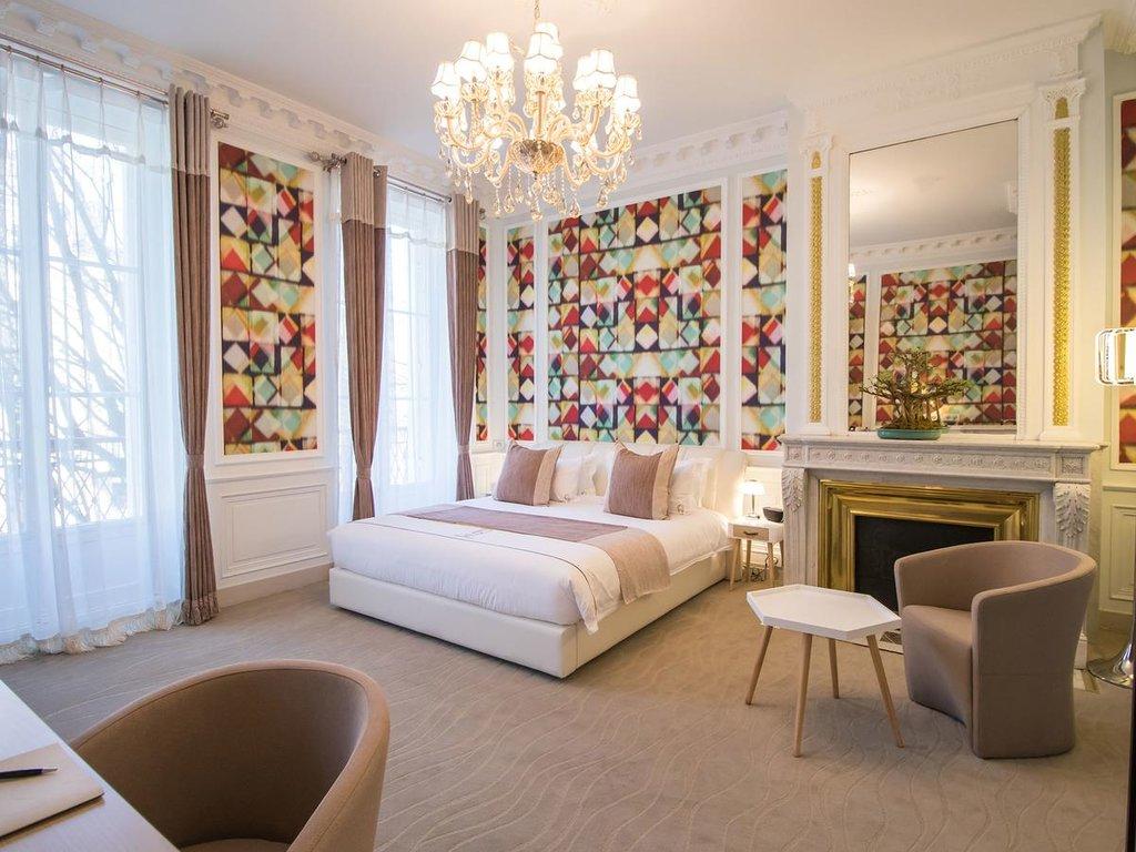 hotel-des-quinconces.jpg?1573825445