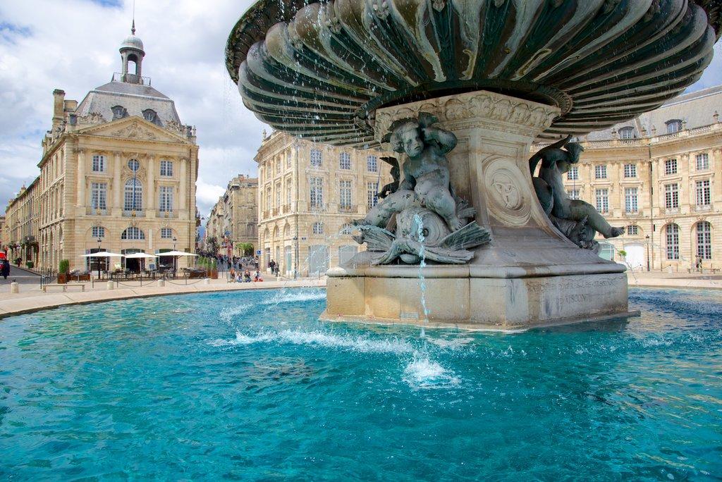 fountain-place-de-la-bourse-bordeaux.jpg?1587048102