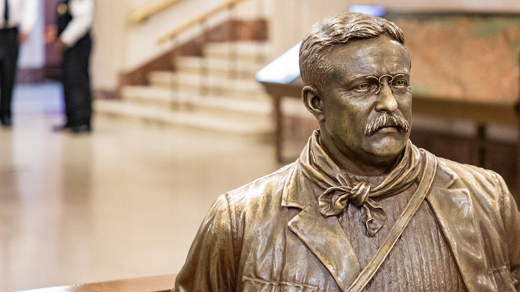 bronze-statue-american-museum-of-natural-history.jpg?1587116009