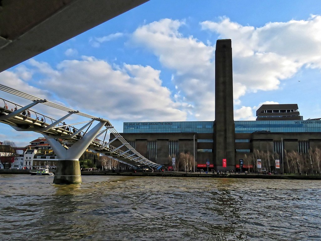 1440px-Millennium_Bridge_and_Tate_Modern.jpg?1587569496