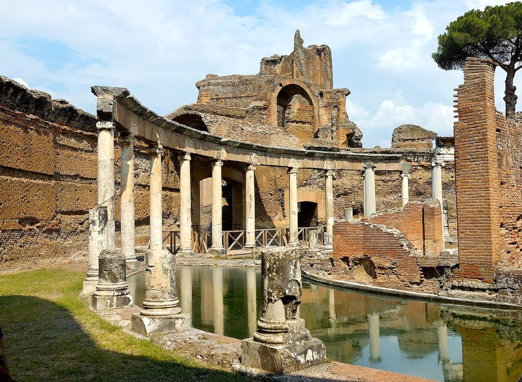 1624px-Maritime_theatre_Villa_Adriana_n2.jpg?1587305989