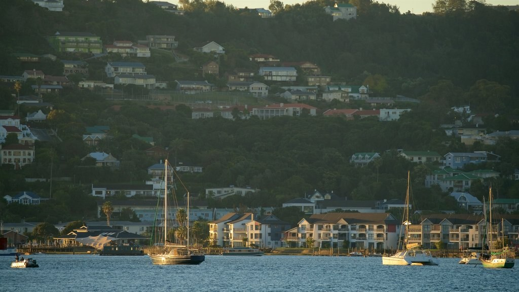 Knysna which includes a coastal town and sailing
