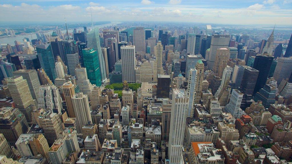 Edificio Empire State mostrando dfc, un rascacielos y horizonte