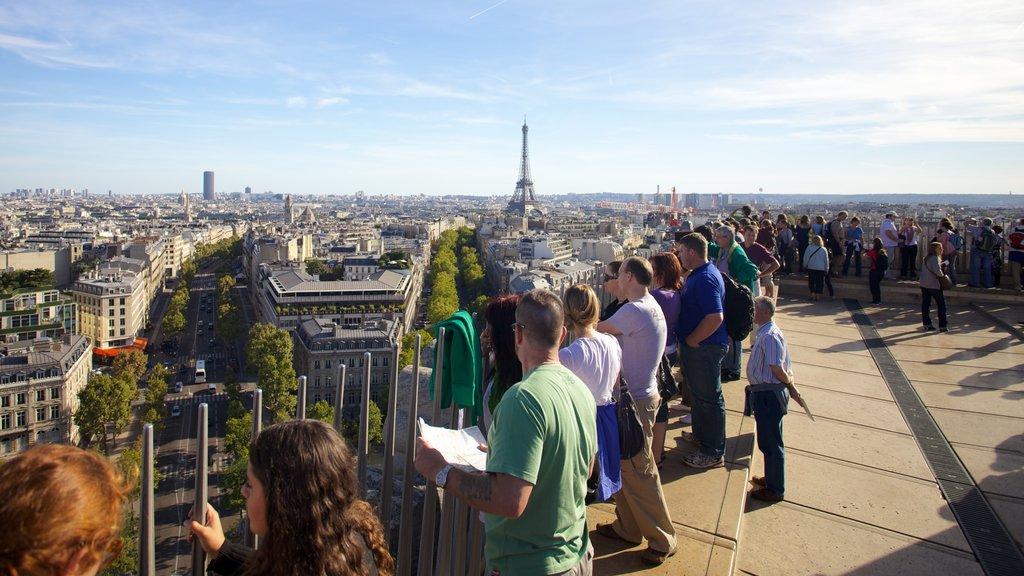 Arc de Triomphe featuring a city, skyline and views