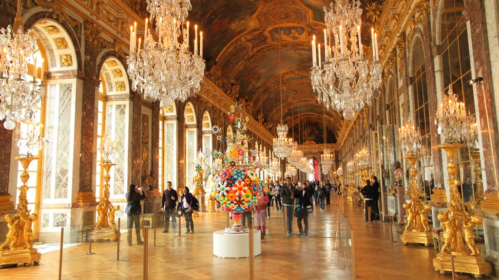Paris showing heritage architecture and interior views