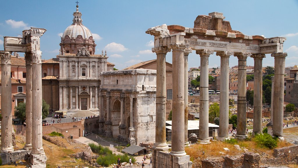 Roman Forum showing a monument, a temple or place of worship and heritage architecture