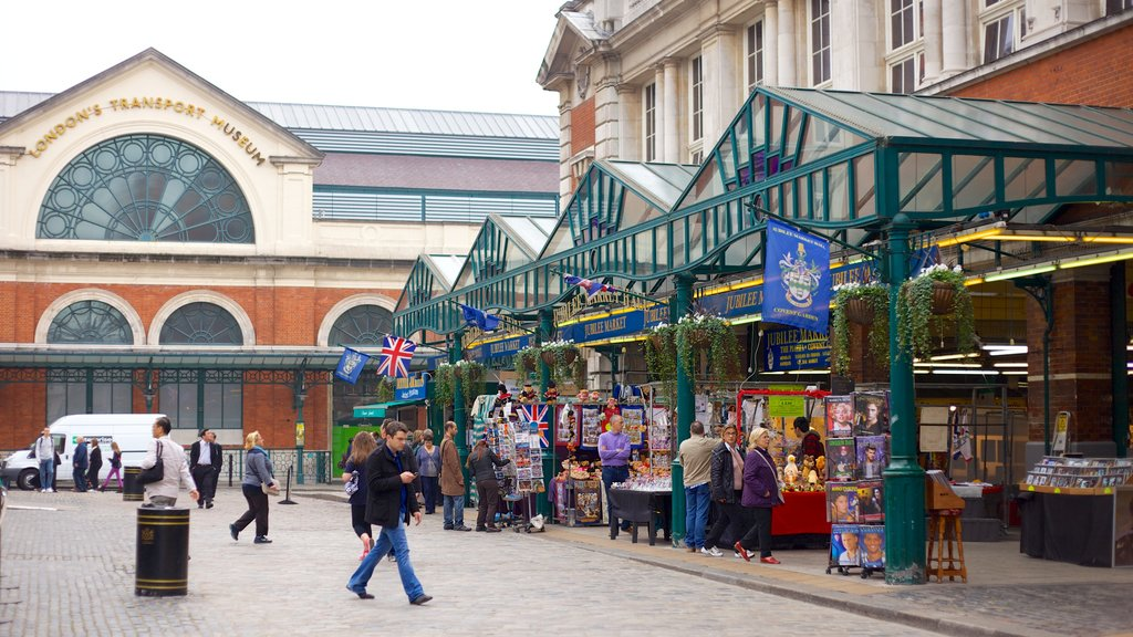 Covent Garden showing a city, street scenes and markets