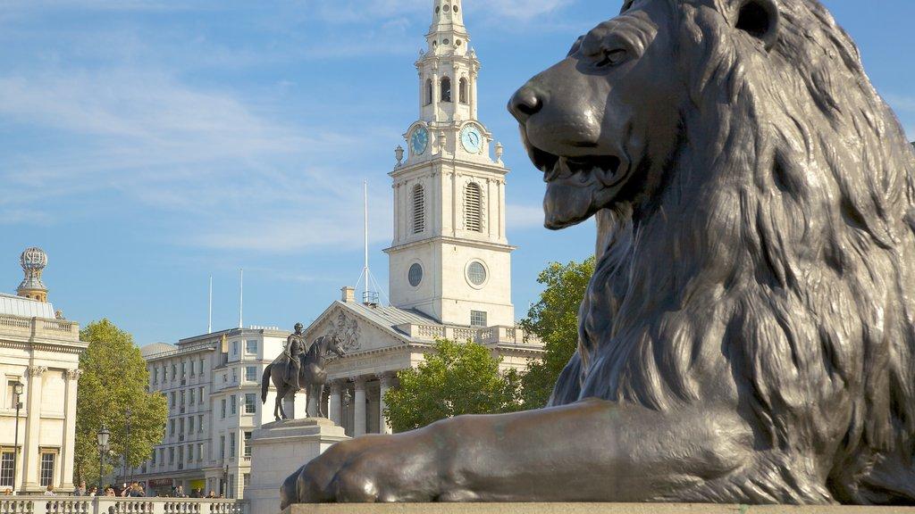 Londres ofreciendo una ciudad, una estatua o escultura y un parque o plaza