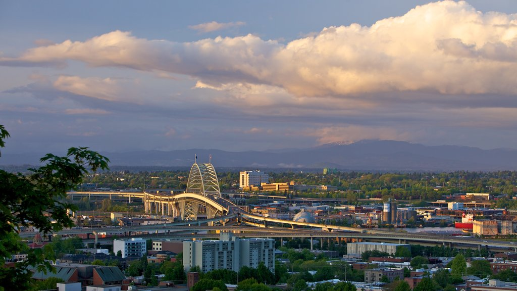 Portland showing a city and landscape views