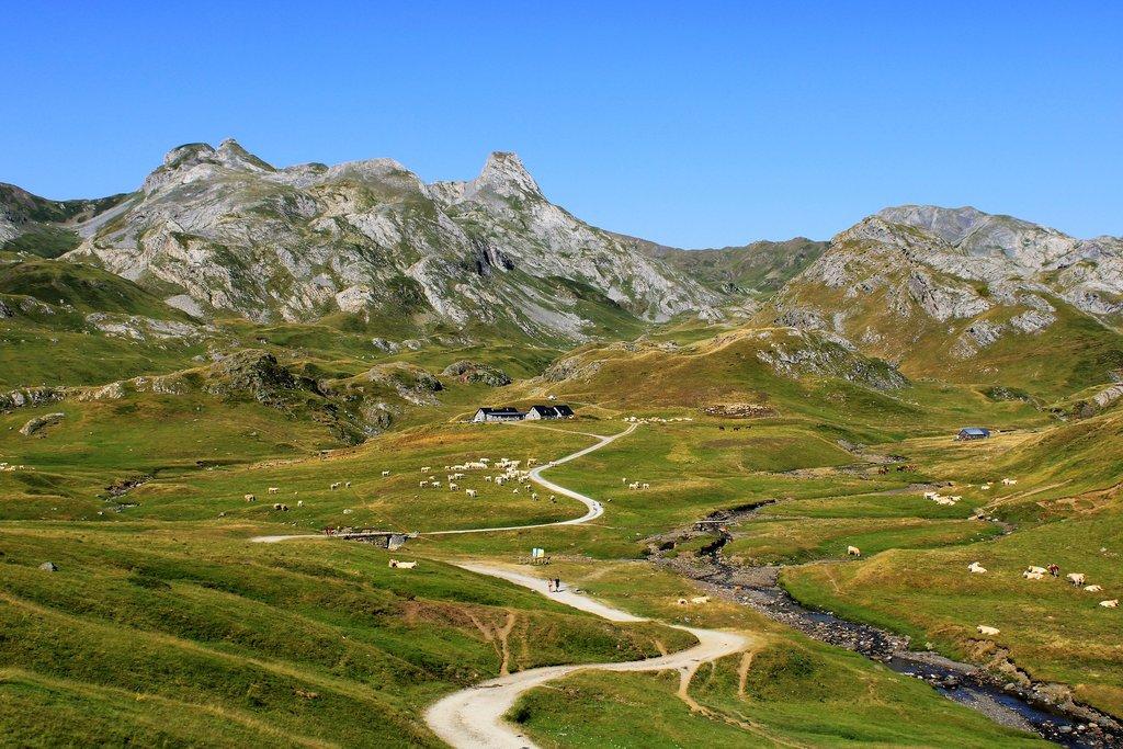 french-pyrenees-4373394_1920.jpg?1572878526