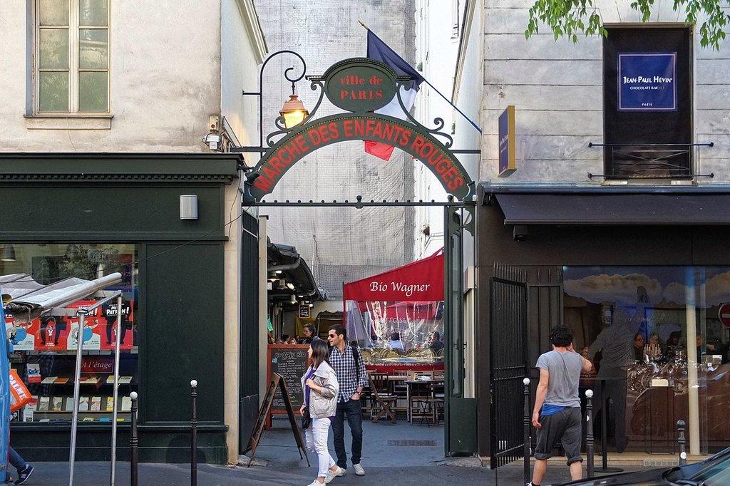 Marche%CC%81_des_Enfants-Rouges__Paris_May_2016.jpg?1574601261