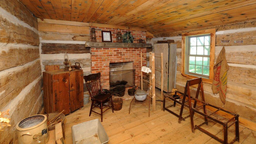 Chatham que incluye elementos del patrimonio y vistas interiores
