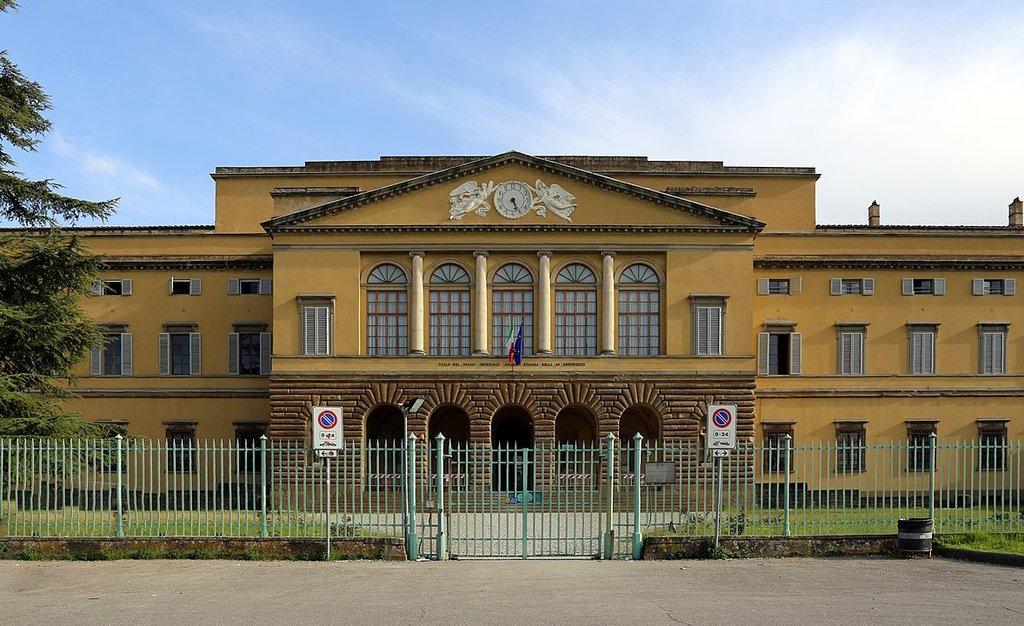 1178px-Villa_del_poggio_imperiale__esterno_04.jpg?1588170414
