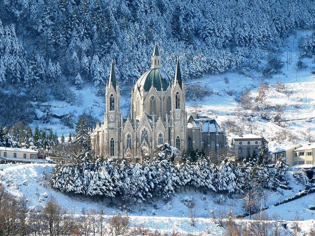 1440px-Santuario_di_Castelpetroso_%28IS%29.jfif?1588236783
