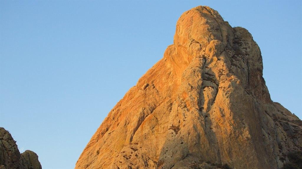 Pena de Bernal featuring mountains