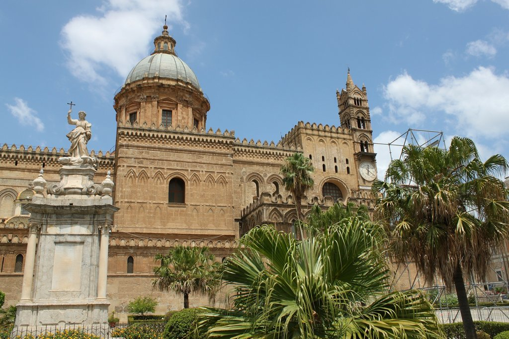 cathedral-of-palermo-327030_1920.jpg?1588672301