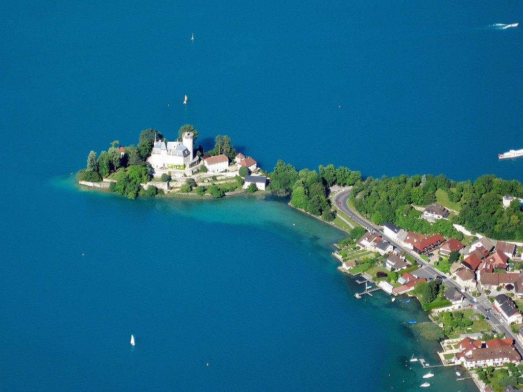 Fr-duingt-chateau-Ruphy-2-ulrichprinz.jpg?1582715671