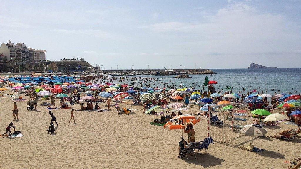 beach-2690492_1280.jpg?1582740471