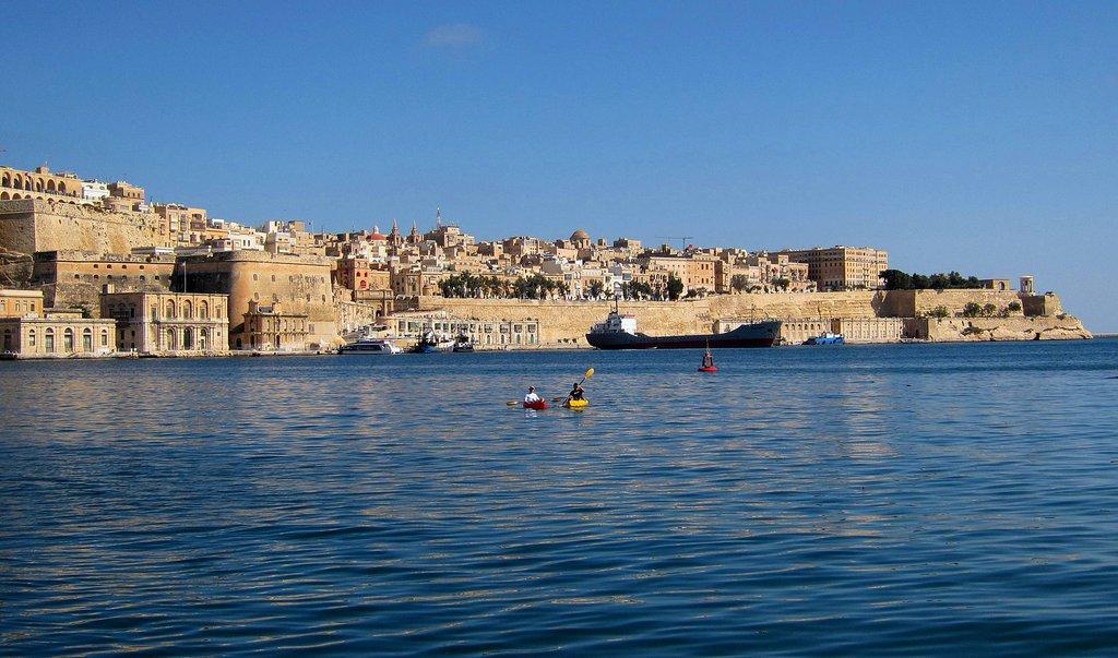 1835px-Blick_auf_Valletta_vom_Grand_Harbour._-_panoramio.jpg?1580205412