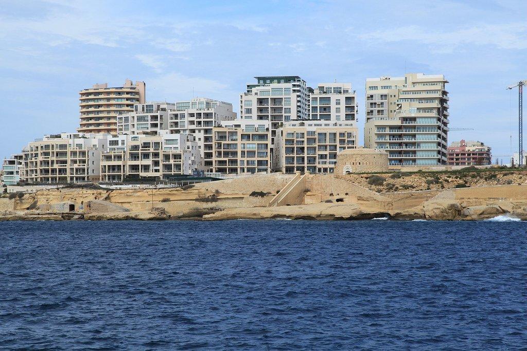 1620px-Malta_-_Sliema_-_Tign%C3%A9_Point_-_Fort_Tign%C3%A9_01_ies_%28Triq_il-Lanca%29_02_ies.jpg?1580206758
