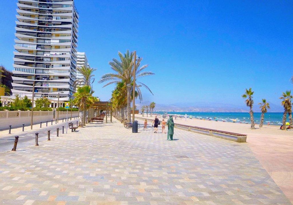 Playa de San Juan, Alicante, By Zarateman - Own work, CC0, https://commons.wikimedia.org/w/index.php?curid=67025128