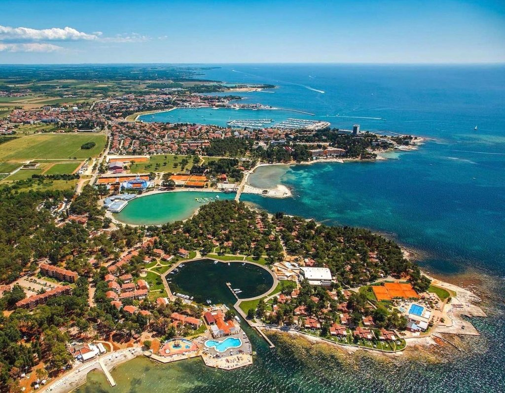 Stella Maris Resort Umag, By EXIT photo team - EXIT photo team, CC BY-SA 3.0, https://commons.wikimedia.org/w/index.php?curid=56420717