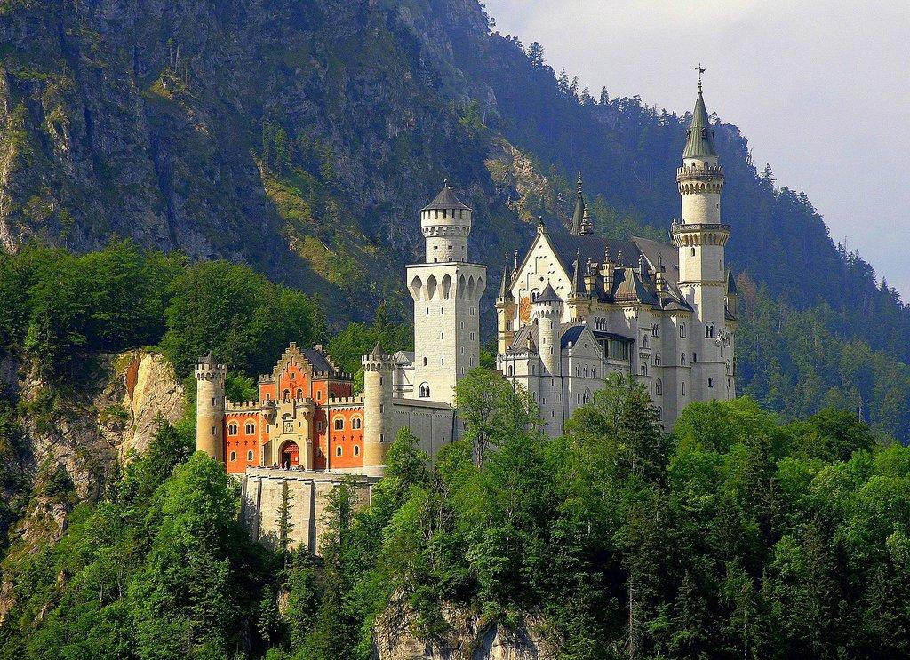 1489px-Neuschwanstein_Castle.jpg?1579600803