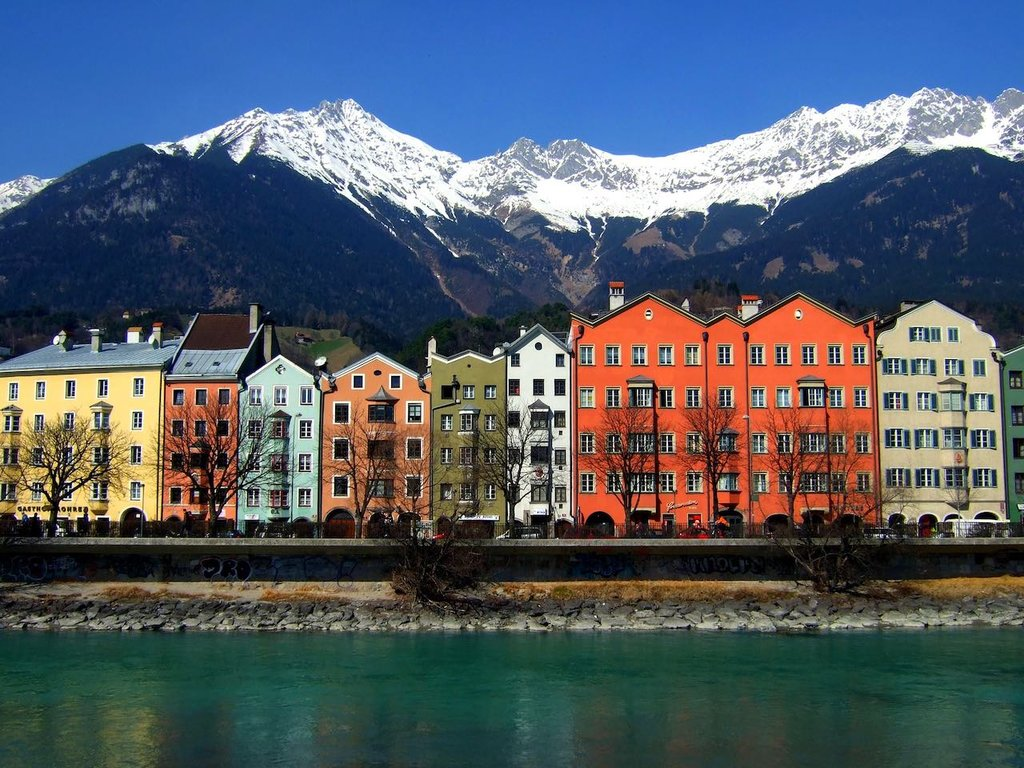 Colours of Innsbruck By James Cridland, Under Creative Common License CC BY 2.0, https://www.flickr.com/photos/jamescridland/424142774