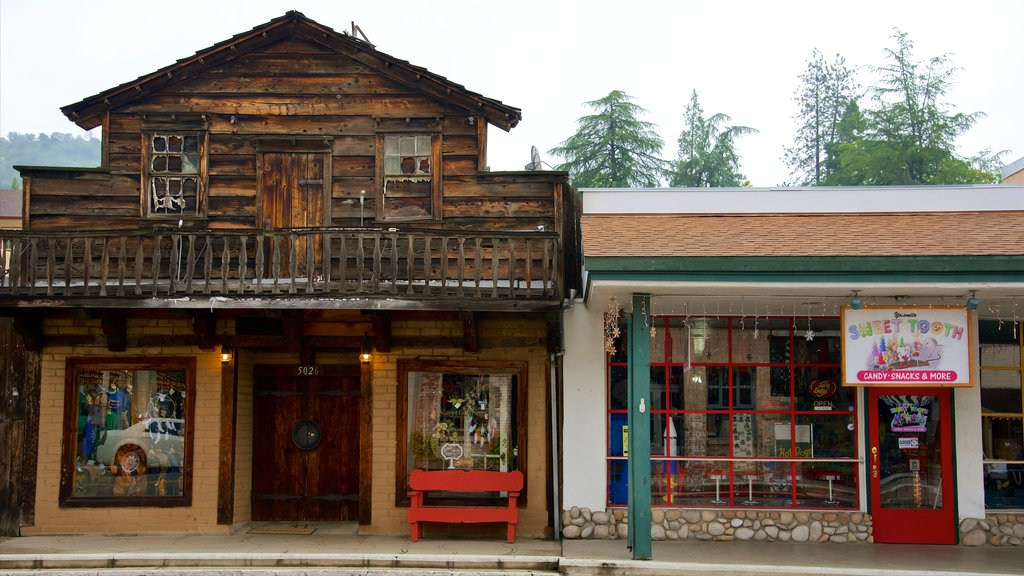 Mariposa which includes shopping and interior views